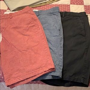 Old navy 3 pair shorts size 31